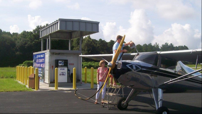 优孚尔通航撬装加油站采取哪种方式加油