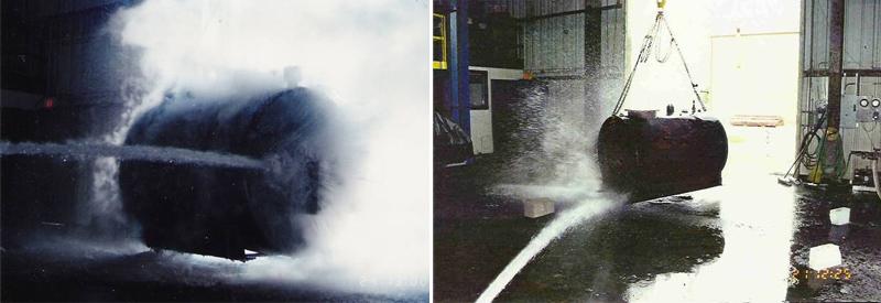 焚烧后的储罐经受强水流冲击和冷热巨变测试